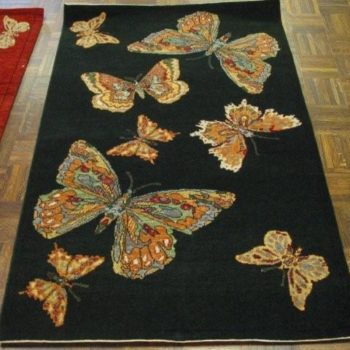 #7471 Butterfly 3.3x5 Made in N.India of hand spun wools/veg. dyes