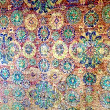 #10027147 Kundan Silk 5.10x8. Beautiful carpet with many saturated colors!